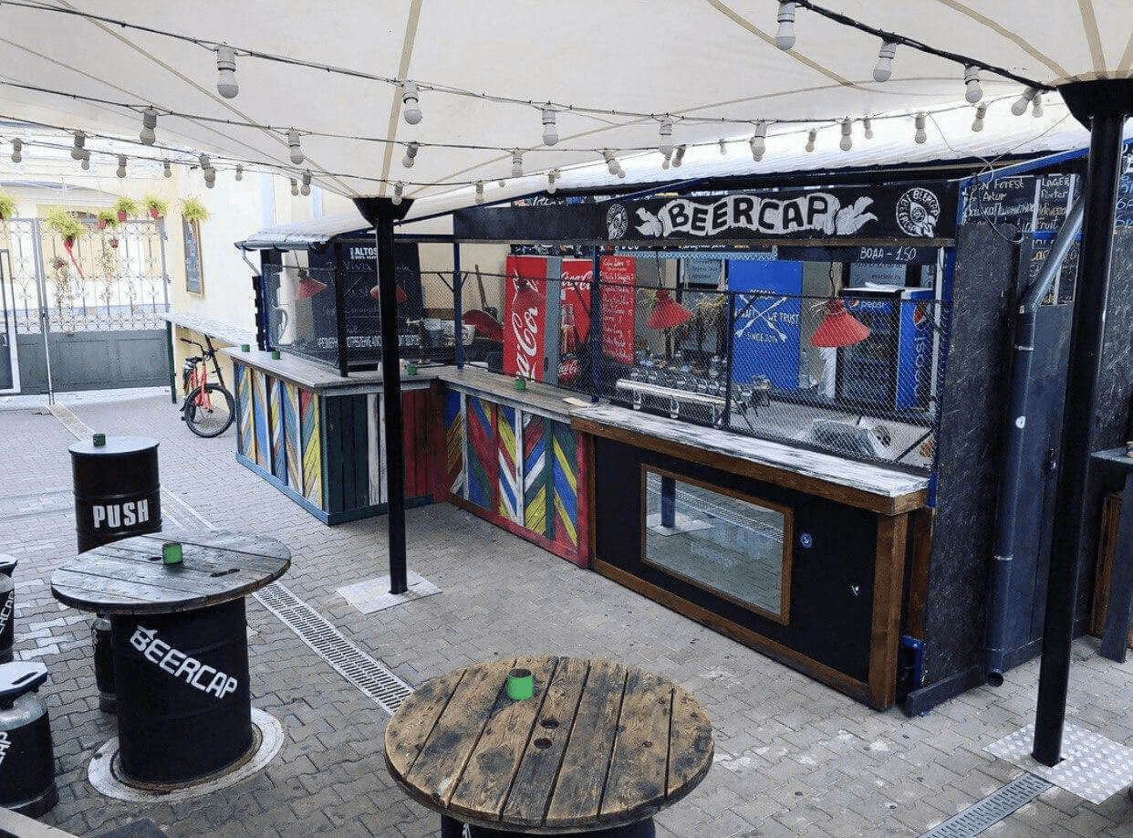 Летний бар в BeerCap Barshop